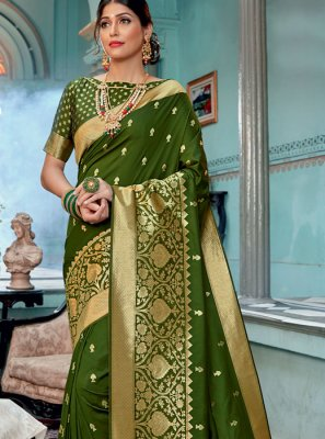 Classic Saree Weaving Silk in Green
