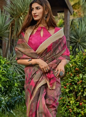 Cotton Floral Print Classic Saree in Magenta