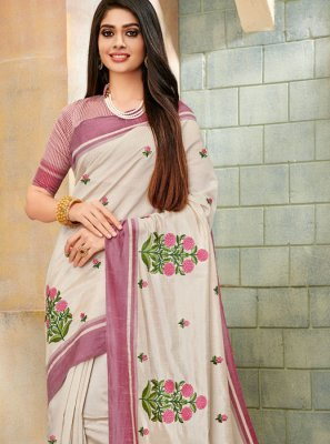 Cream Casual Cotton Silk Classic Saree