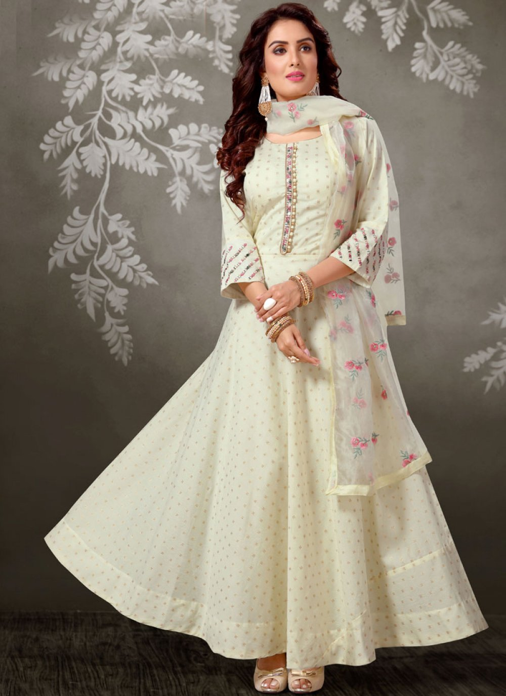 Off white Dori Work Brocade Salwar Suit