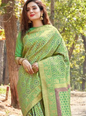 Designer Saree Weaving Banarasi Silk in Green