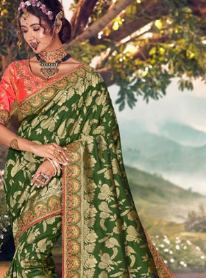 Designer Traditional Saree Weaving Art Banarasi Silk in Green