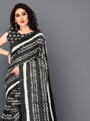 Digital Print Silk Classic Saree in Black