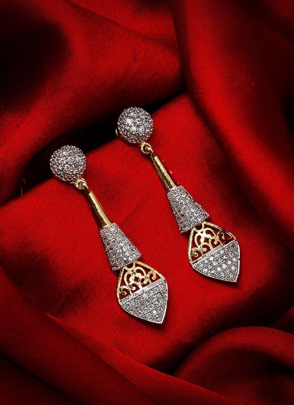 Ear Rings Stone Work in Gold