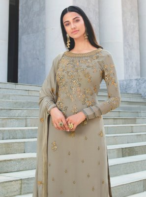 Embroidered Faux Georgette Grey Salwar Suit