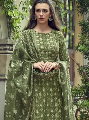 Embroidered Reception Salwar Kameez