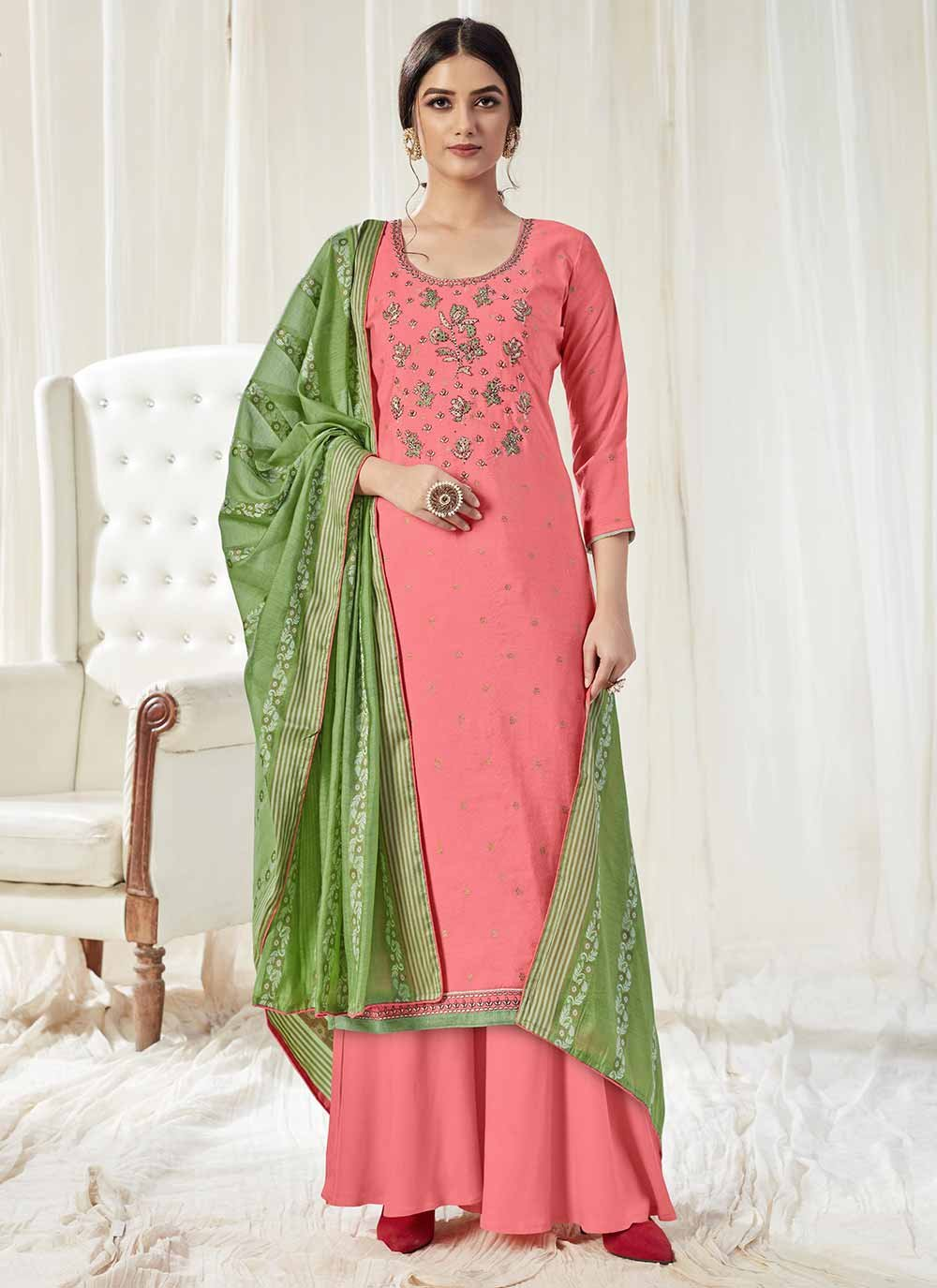 Embroidered Trendy Pakistani Salwar Kameez
