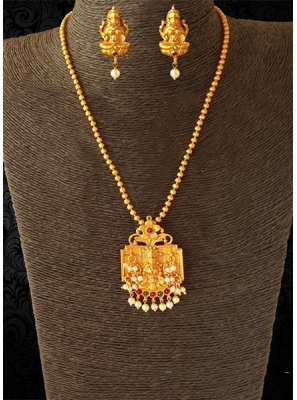 Gold Ceremonial Pendant Set