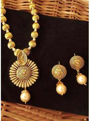 Gold Color Pendant Set