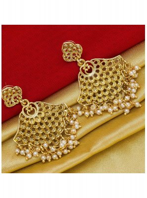 Gold Mehndi Ear Rings