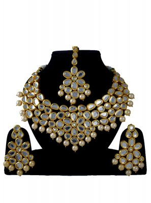Gold Stone Work Jewellery Set
