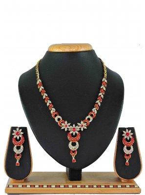 Gold Stone Work Party Necklace Set