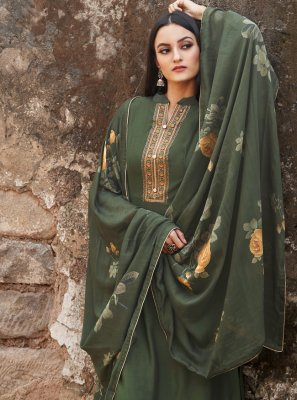 Green Embroidered Bollywood Salwar Kameez