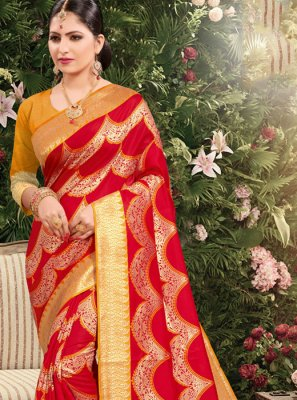 Jacquard Weaving Designer Saree in Red