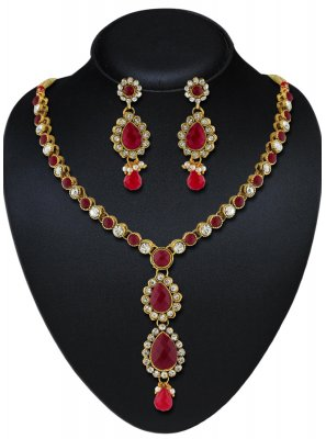 Necklace Set Stone Work in Maroon