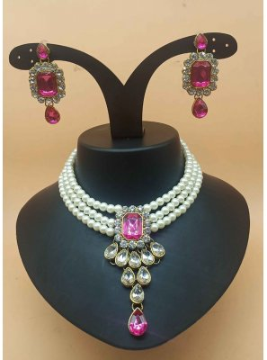 Necklace Set Stone Work in Pink