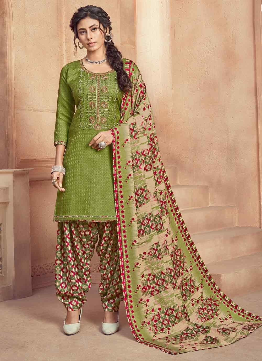 Patiala Salwar Kameez Embroidered Pashmina in Green