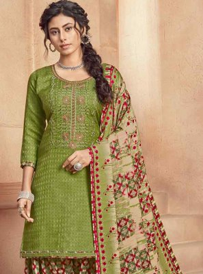 Patiala Salwar Kameez Embroidered Pashmina in Green