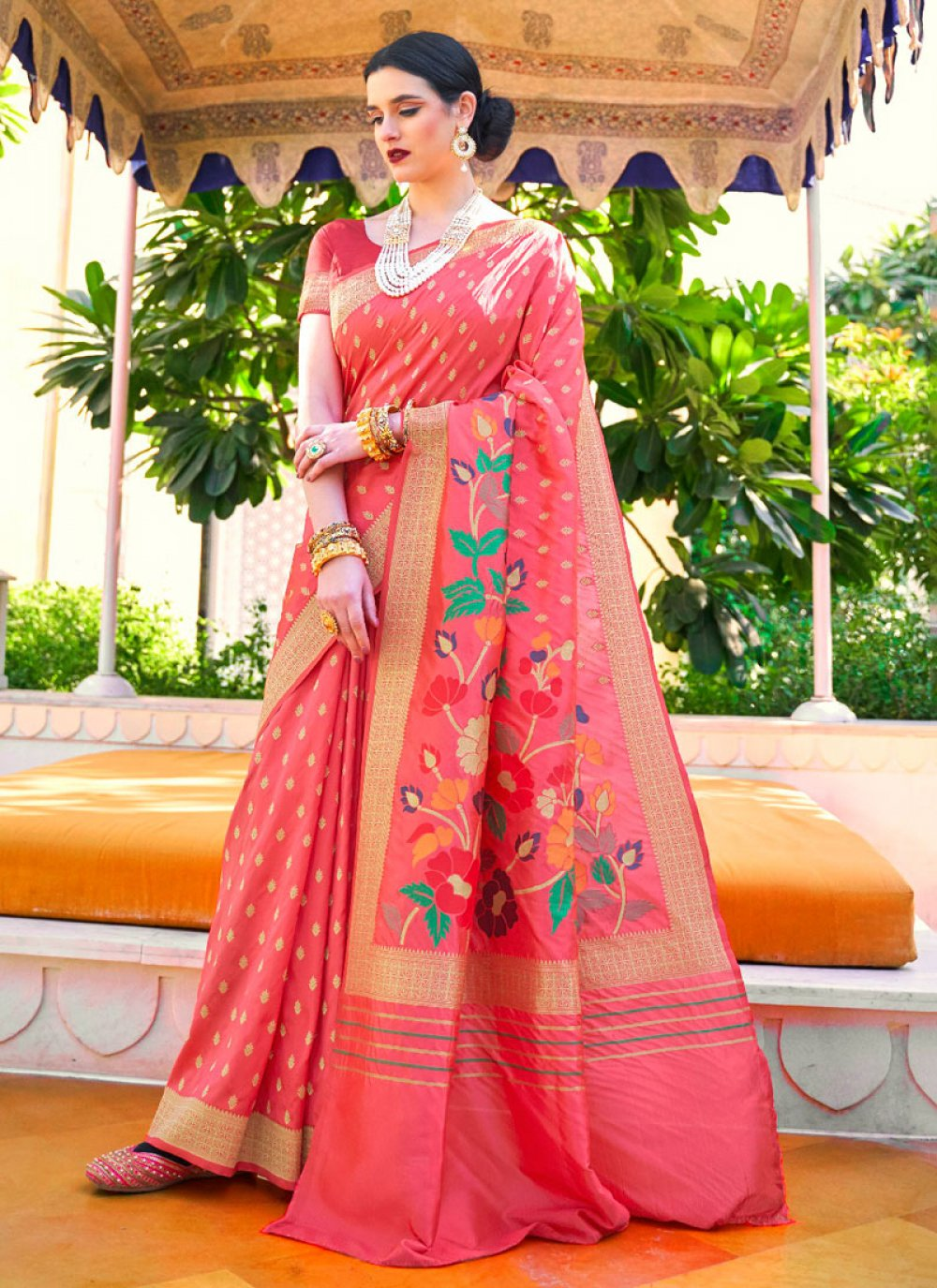 Pink Weaving Handloom silk Classic Designer Saree