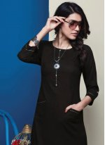 Plain Rayon Casual Kurti in Black