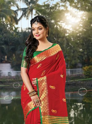 Red Handloom Cotton Weaving Classic Saree