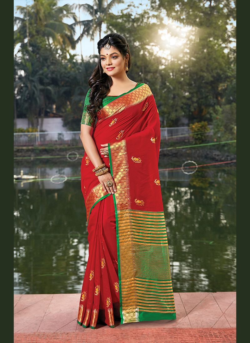 Red Handloom Cotton Weaving Classic Saree