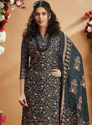 Salwar Kameez Digital Print Pashmina in Grey