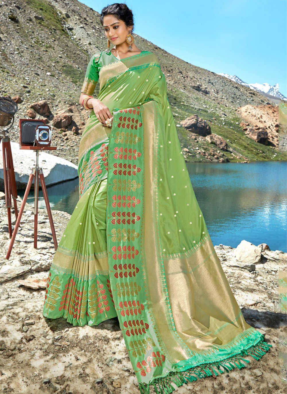 Silk Classic Saree in Sea Green