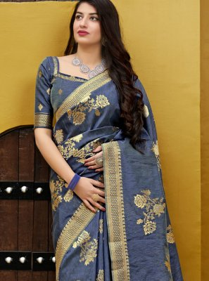 Silk Saree Weaving Silk in Grey