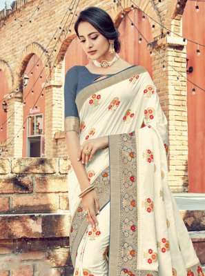 Silk Saree Weaving Silk in White