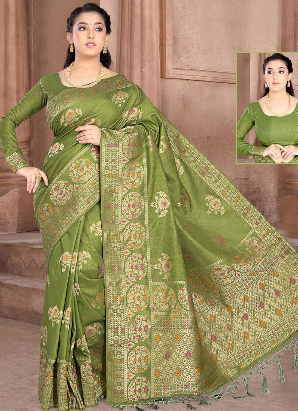 Silk Weaving Designer Saree in Green