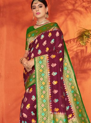 Silk Weaving Silk Saree in Green and Maroon