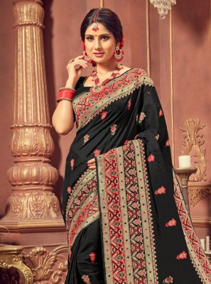 Silk Weaving Traditional Saree in Multi Colour
