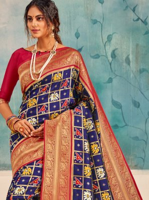 Silk Weaving Traditional Saree in Navy Blue