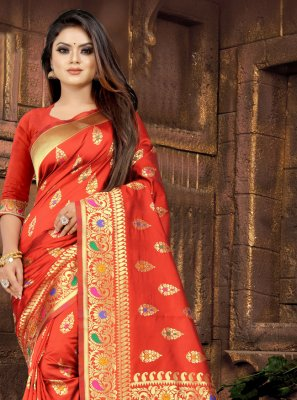 Silk Weaving Traditional Saree in Red