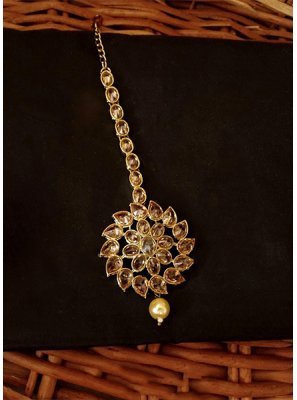 Stone Work Maang Tika in Gold