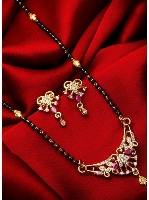 Stone Work Mangalsutra in Gold