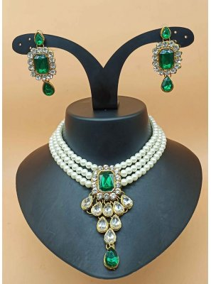 Stone Work Necklace Set in Green