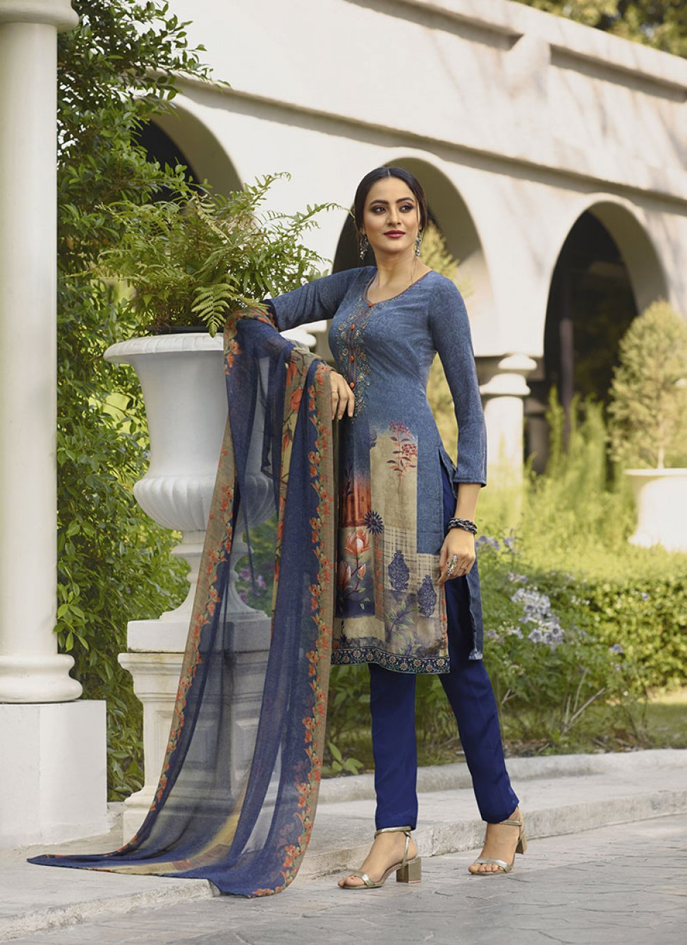 Suit Embroidered Faux Crepe in Blue
