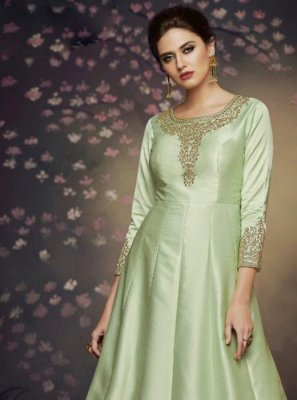 Thread Art Silk Salwar Suit in Green