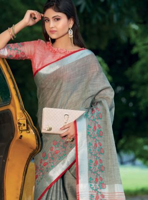 Thread Work Sangeet Classic Saree