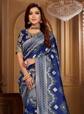 Traditional Saree Thread Jacquard Silk in Blue