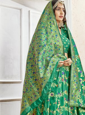 Weaving Art Silk Saree in Green