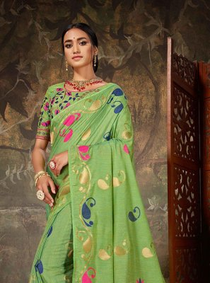 Weaving Art Silk Traditional Saree in Green