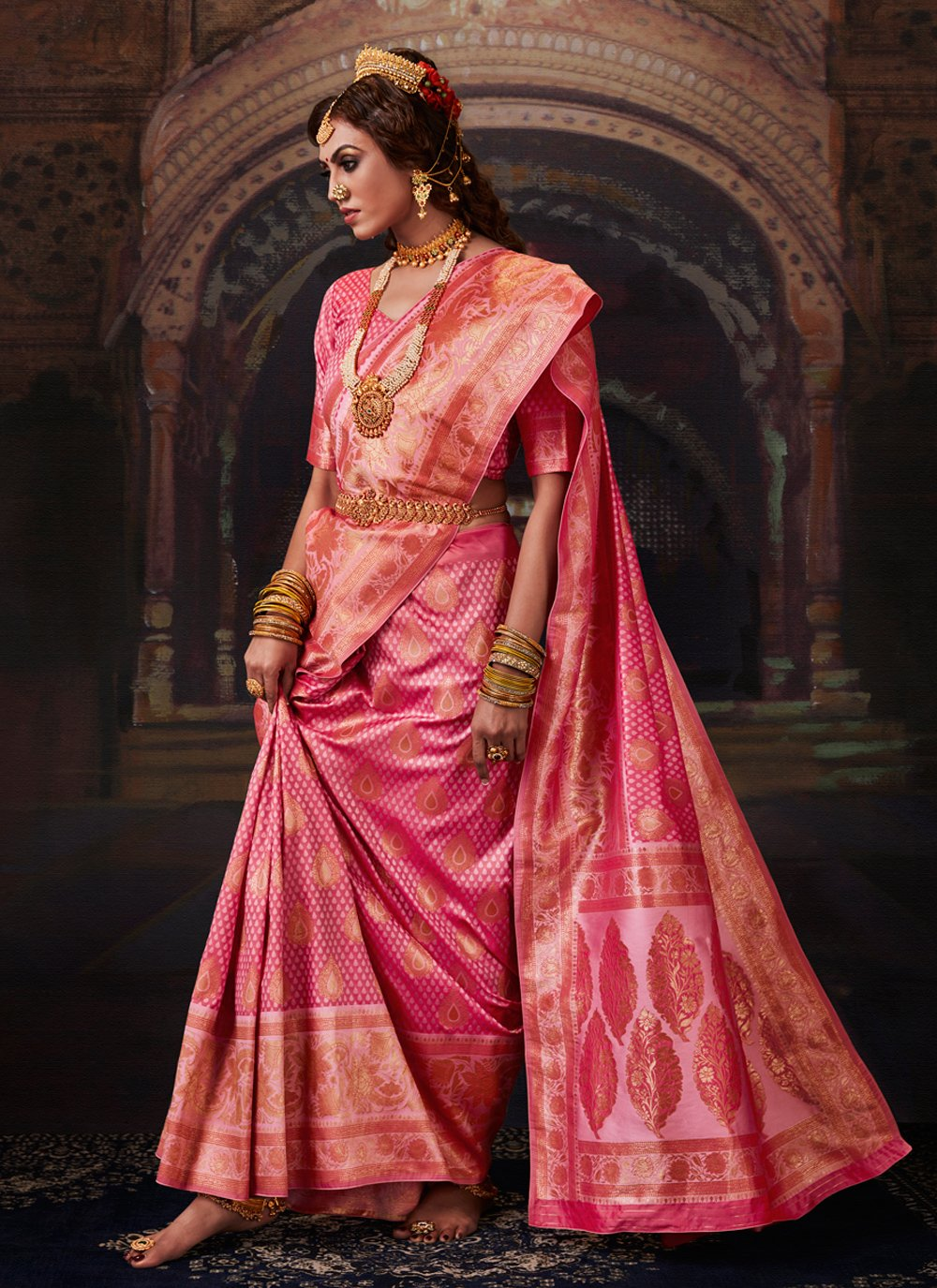 Weaving Banarasi Silk Bollywood Saree in Pink