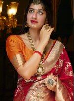 Weaving Bollywood Saree