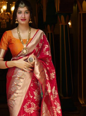 Weaving Bollywood Saree