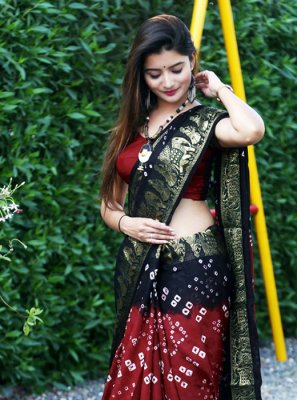 Weaving Maroon and Navy Blue Classic Saree