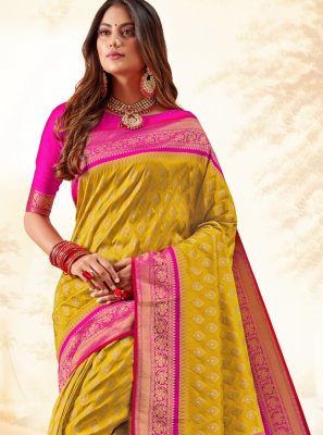 Weaving Multi Colour Traditional Saree