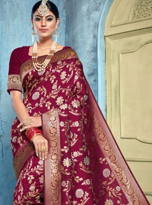 Weaving Reception Saree